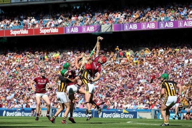 Jonathan Glynn claims a high ball