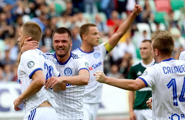 Alyaksandr Sachywka celebrates his goal with teammates