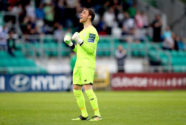 Tomer Chencinski celebrates their first goal