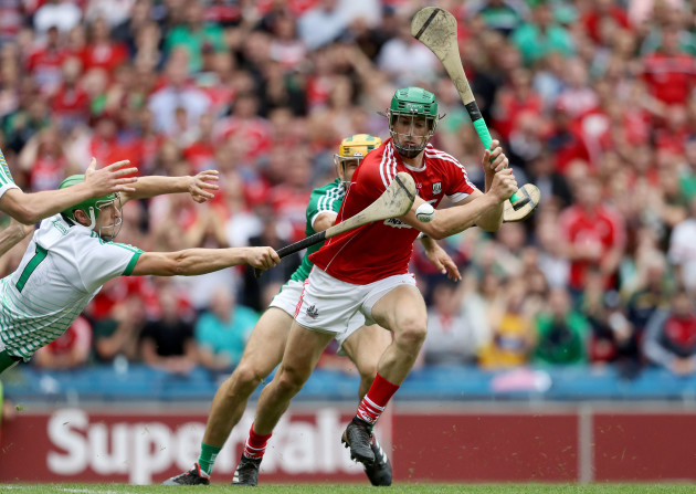 Nickie Quaid blocks a shot from Seamus Harnedy