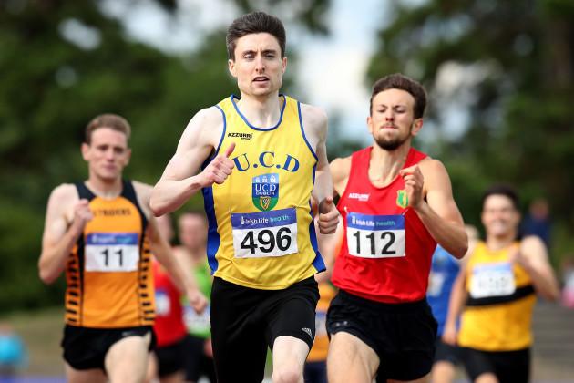 Mark English wins the Men's 800m