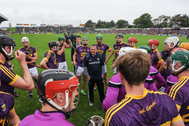 Davy Fitzgerald speaks to his players