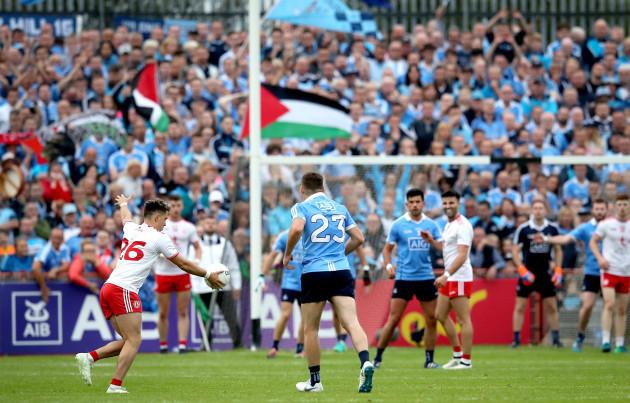 Ronan O'Neill misses a late free
