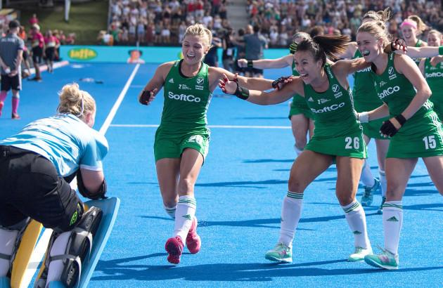 The Ireland team celebrate with Ayeisha McFerran