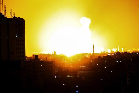 MIDEAST-GAZA CITY-ISRAEL-AIR STRIKES