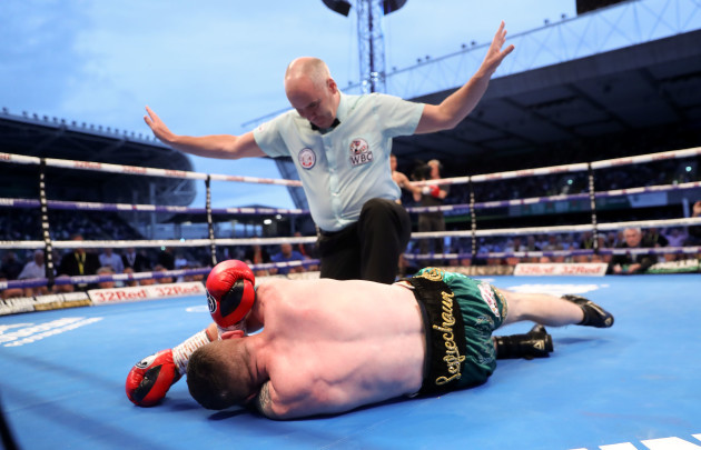 Paddy Barnes is defeated by Cristofer Rosales