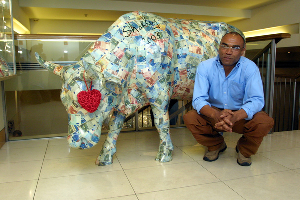 KEVIN SHARKEY MUSIC PRESENTERS BAILEYS COW PARADE
