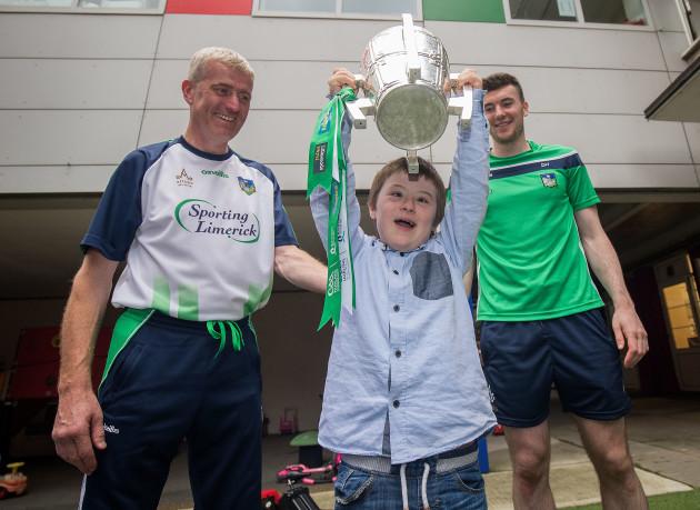John Kiely with Jake Cloke and Declan Hannon