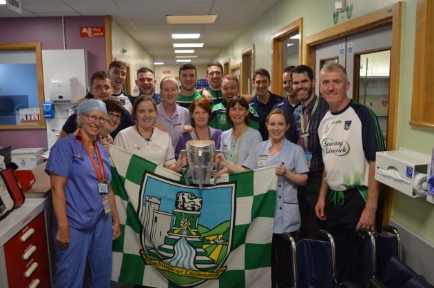 Limerick Hurlers visit Temple Street 005