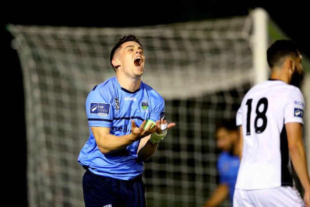 Gary O'Neill reacts to a missed chance