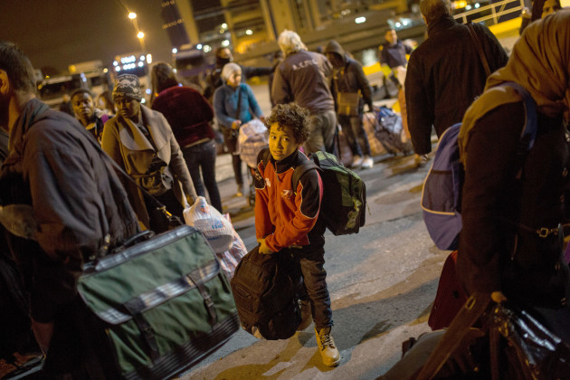 Refugees arrive to Athens