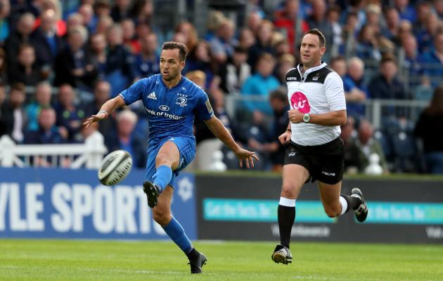 Jamison Gibson-Park kicks ahead