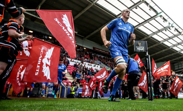 Devin Toner takes to the field