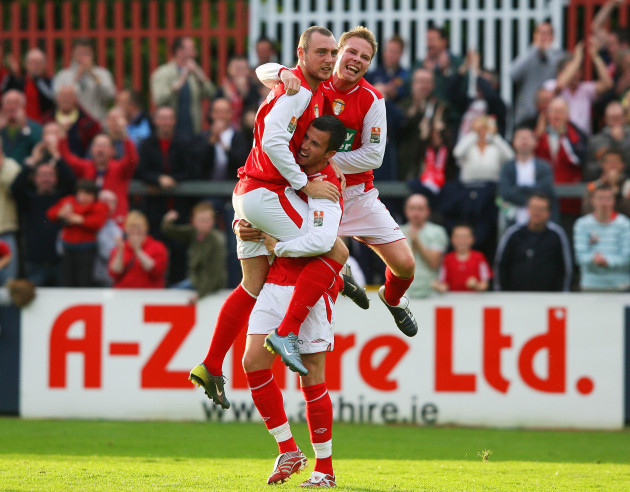 Mark Quigley celebrates his goal