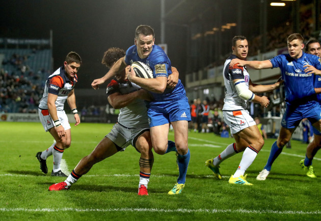 Johnny Sexton goes over for a try