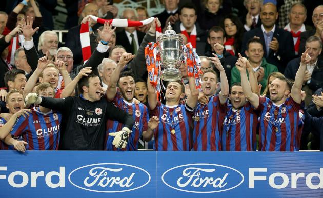 Ger O'Brien lifts The FAI Cup