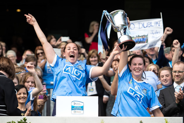 Emer Keenan and Deirdre Johnstone lift the Kay Mills Cup