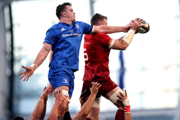 James Ryan and Peter O'Mahony compete for a lineout ball