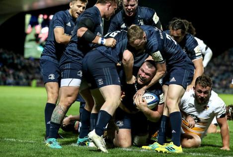 Jack McGrath celebrates scoring their eighth try with teammates 12/10/2018