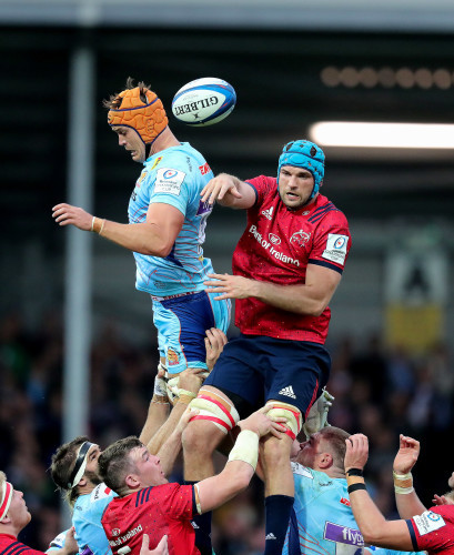Tadhg Beirne wins a lineout from Ollie Atkins