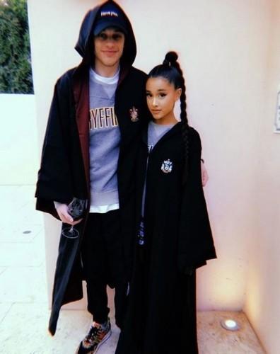 Ariana-Grande-and-Pete-Davidson (1)