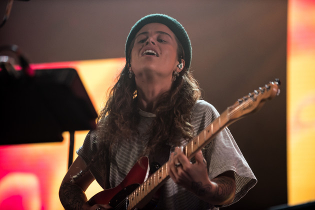United Kingdom: Tash Sultana Performs in London