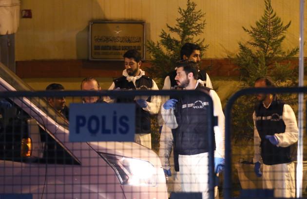 Turkish officials at Saudi consulate over Khashoggi - Istanbul