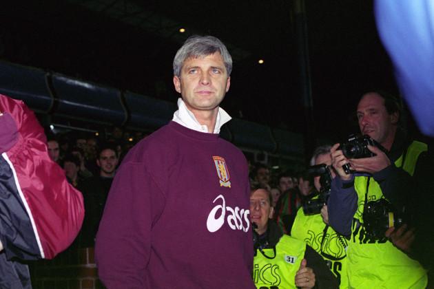 Soccer - FA Carling Premiership - Aston Villa v Sheffield Wednesday - Villa Park