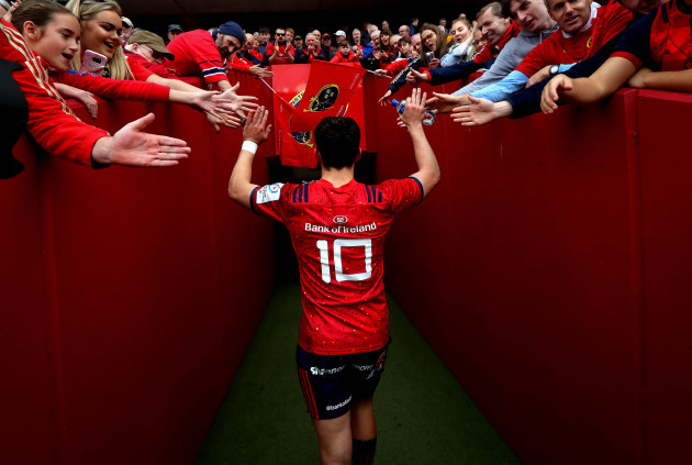 Joey Carbery makes his way down the tunnel