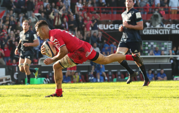 Sofiane Guitoune scores his sides second try
