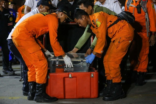 Indonesia: Search and Rescue Personnel Lion Air Flight Crashes Into Sea Off Jakarta