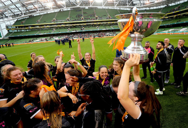 Wexford Youths' celebrate with the trophy