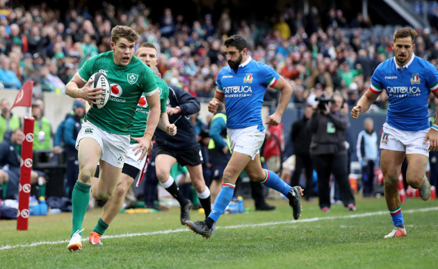 Garry Ringrose scores Ireland's seventh try