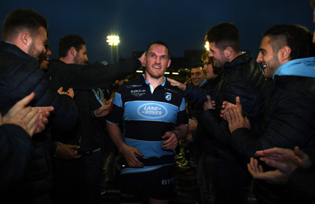 Gethin Jenkins leaves the field for the final time to a guard of honour