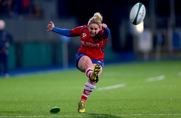 Niamh Briggs misses a conversion with the last kick of the game