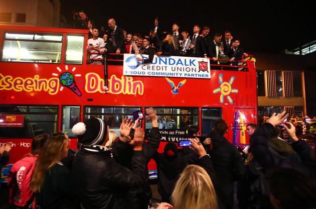 The Dundalk team arrive back on the team bus