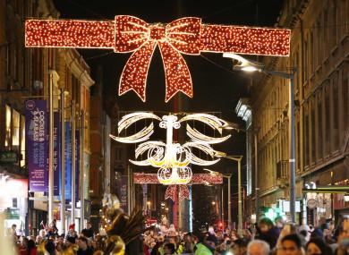 0552dublin-town-christmas-lights_90529820-2-390x285