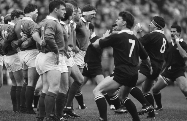 Willie Anderson faces up to Wayne Shelford 1989