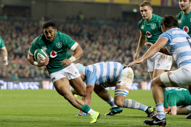 Bundee Aki scores his sides second try