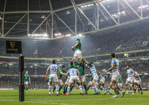 Iain Henderson wins a line out