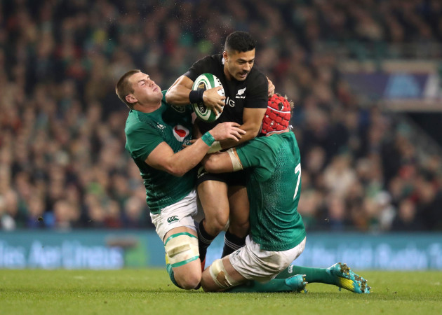 CJ Stander and Josh van der Flier tackle Richie Mo'unga
