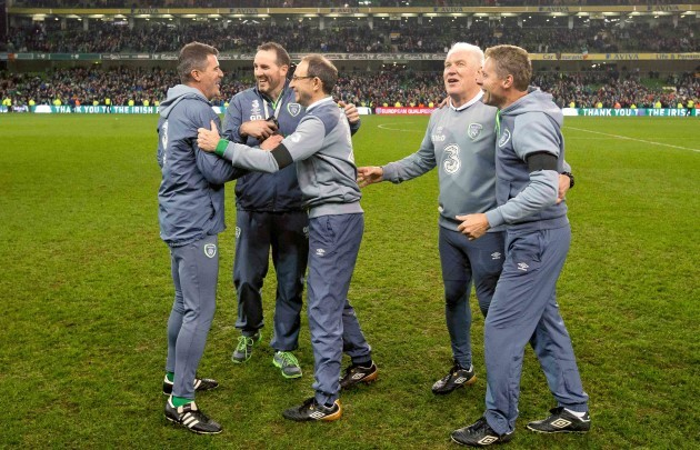 Roy Keane, Gerard Dunne and Martin O'Neill celebrate