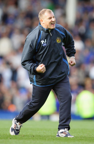 Paul Jewell, manager of Wigan celebrates his sides victory 24/9/2005