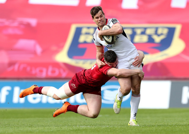 Louis Ludik is tackled by Sammy Arnold