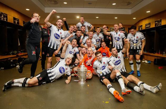 Dundalk celebrate winning The Irish Daily Mail FAI Cup