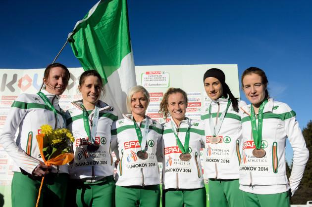 The Ireland Senior Women team celebrate with their bronze medals