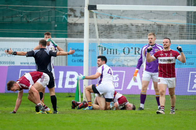 Cian O'Sullivan tackles Aidan McElligott resulting in a penalty late in the game