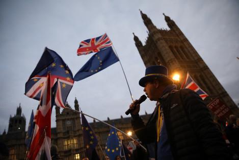 BRITAIN-LONDON-BREXIT VOTE-PUTTING OFF-PROTEST