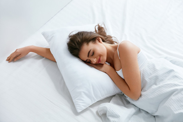 Poll Tell Us How Many Pillows Do You Sleep With At Night