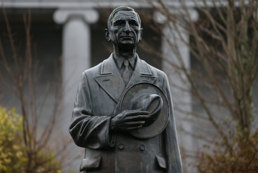 De Valera statue